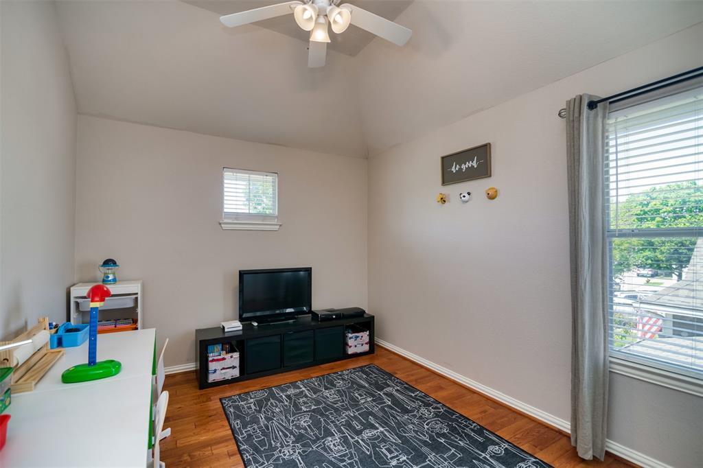 10237 Lakeview  Drive, Providence Village, Texas 76227 - acquisto real estate best negotiating realtor linda miller declutter realtor