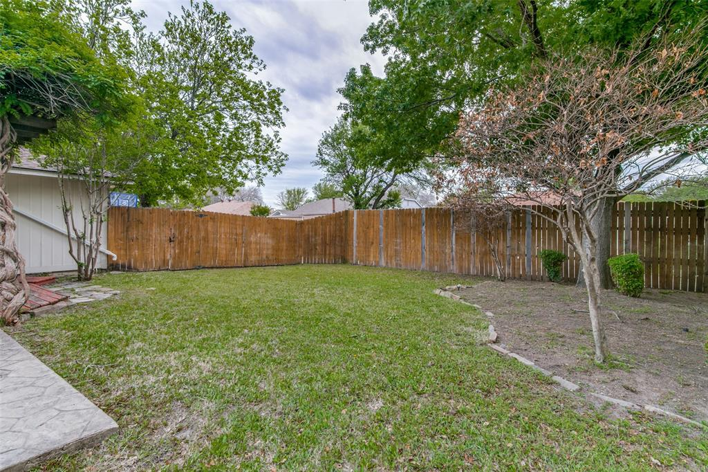 3205 Meadowood  Drive, Garland, Texas 75040 - acquisto real estate best frisco real estate agent amy gasperini panther creek realtor