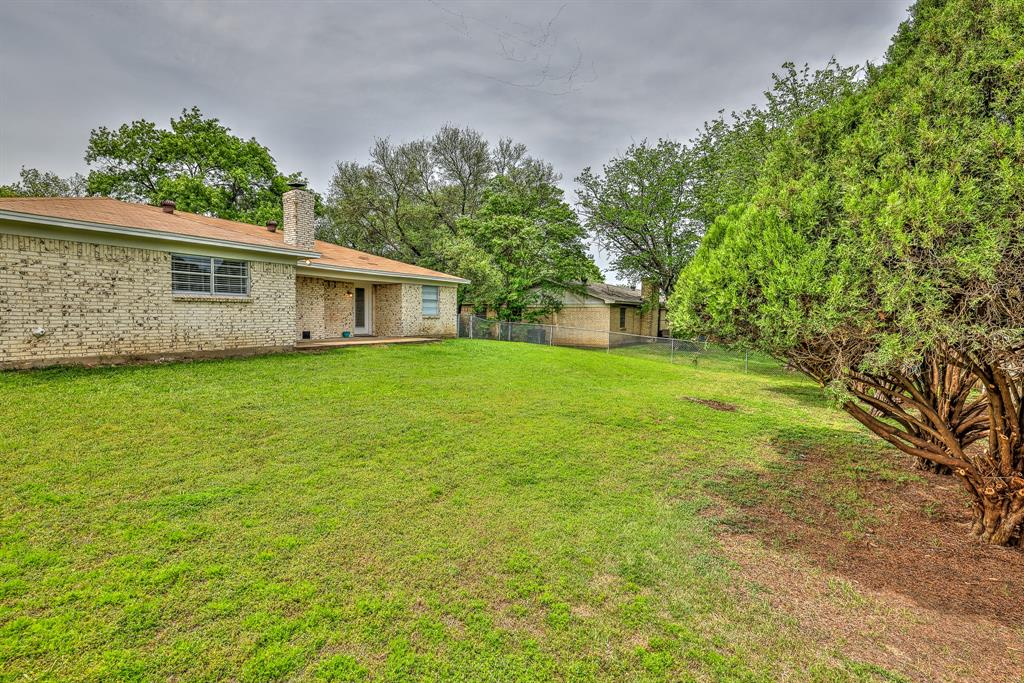 200 Lochness  Lane, Benbrook, Texas 76126 - acquisto real estate best realtor dfw jody daley liberty high school realtor