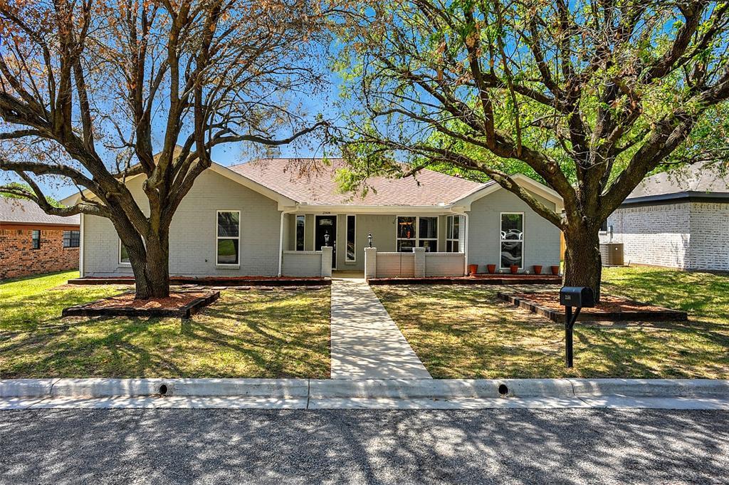 2508 Bennett  Avenue, Sherman, Texas 75090 - Acquisto Real Estate best plano realtor mike Shepherd home owners association expert