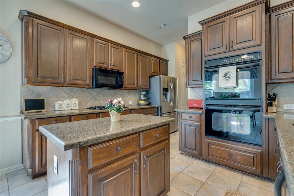 2000 Ledgestone  Drive, Corinth, Texas 76210 - acquisto real estate best photos for luxury listings amy gasperini quick sale real estate