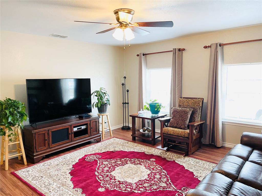1303 Williams  Street, Breckenridge, Texas 76424 - acquisto real estate best allen realtor kim miller hunters creek expert
