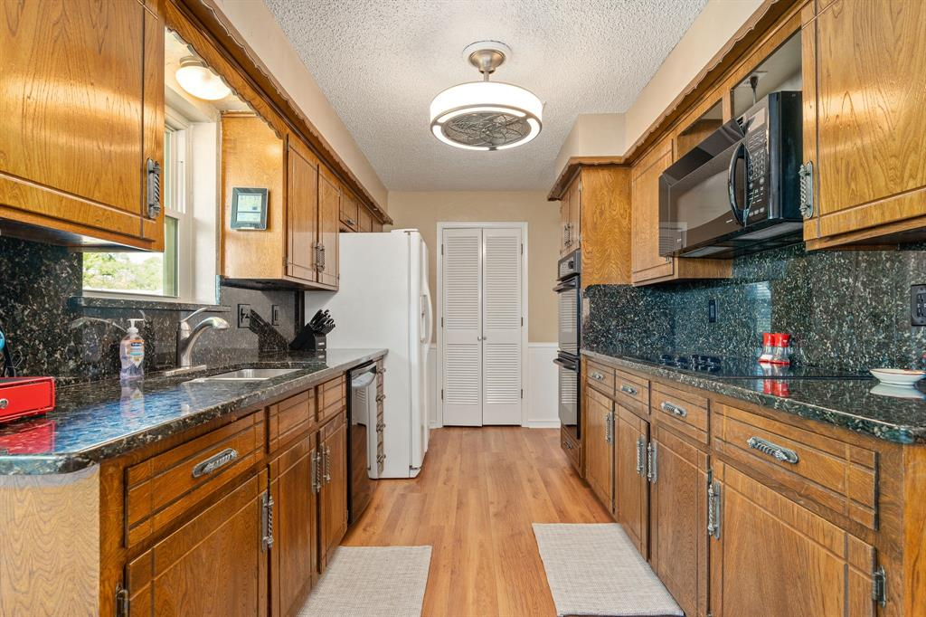 3514 Vanderbilt  Court, Garland, Texas 75043 - acquisto real estate best real estate company in frisco texas real estate showings
