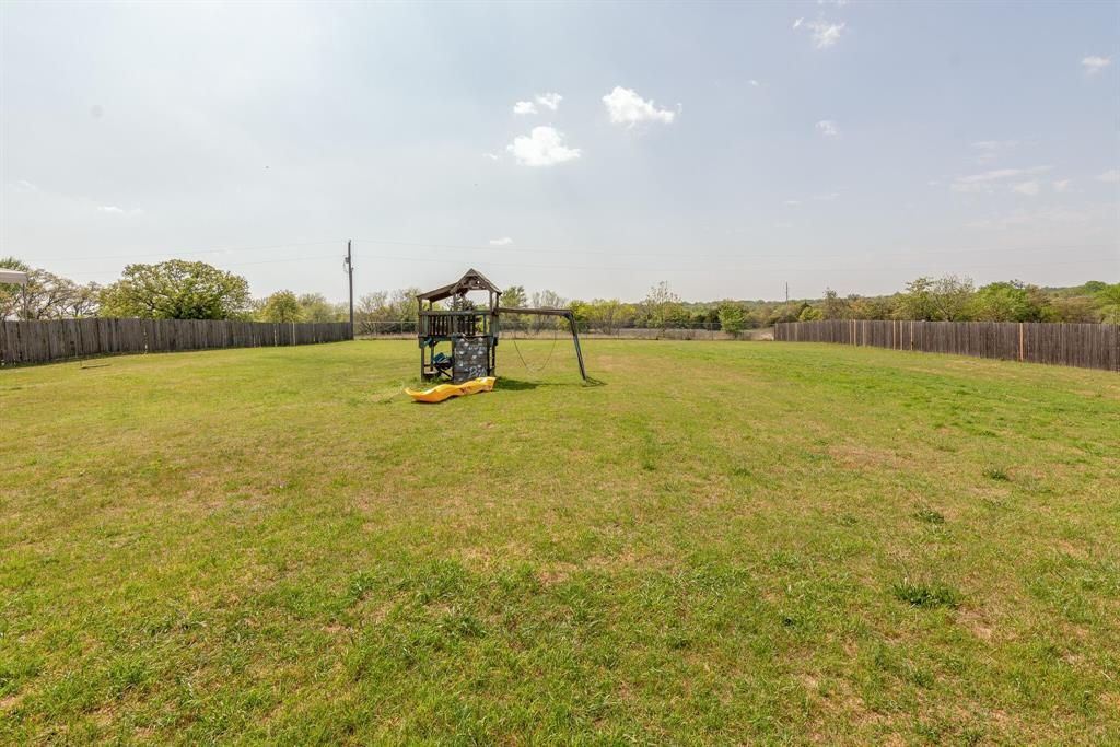 110 Crestwood  Lane, Springtown, Texas 76082 - acquisto real estate best plano real estate agent mike shepherd