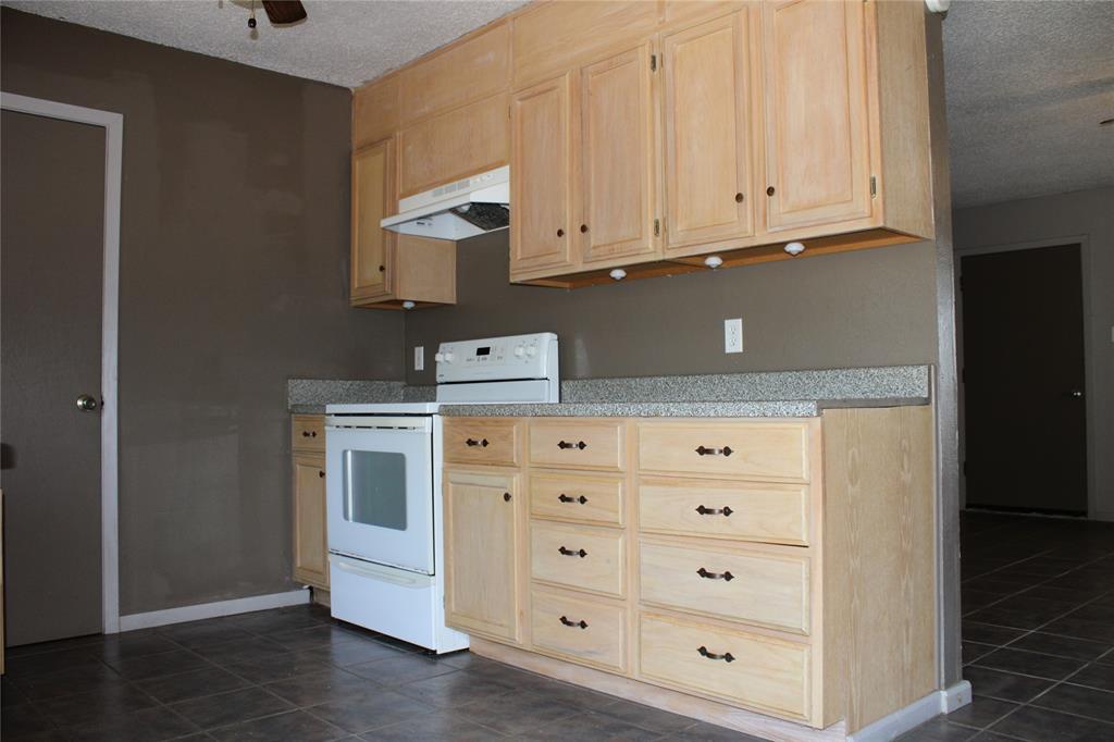 2008 Rockview  Drive, Granbury, Texas 76049 - acquisto real estate best the colony realtor linda miller the bridges real estate