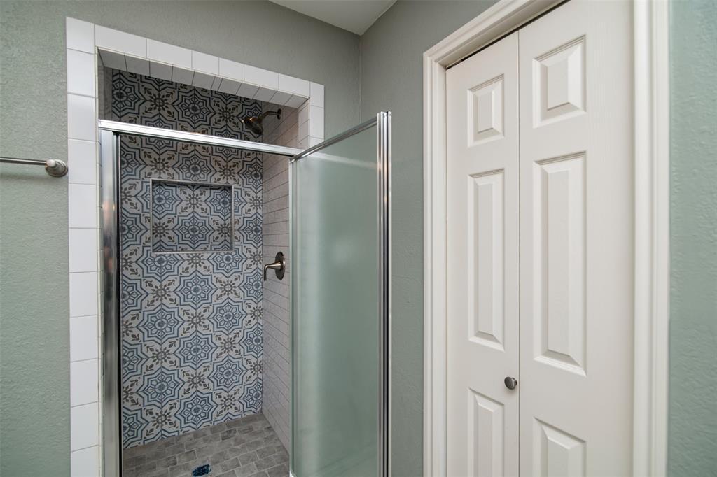 500 Ellen  Avenue, Hurst, Texas 76053 - acquisto real estate best new home sales realtor linda miller executor real estate