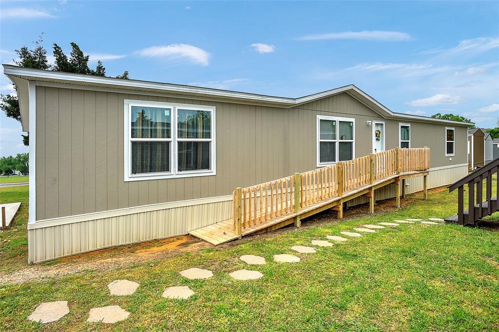 203 Roelke  Drive, Knollwood, Texas 75092 - Acquisto Real Estate best frisco realtor Amy Gasperini 1031 exchange expert