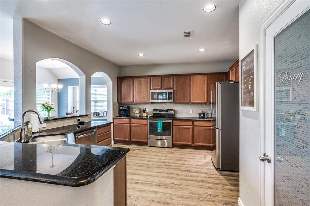 2924 Greenway  Drive, Burleson, Texas 76028 - acquisto real estate best real estate company in frisco texas real estate showings
