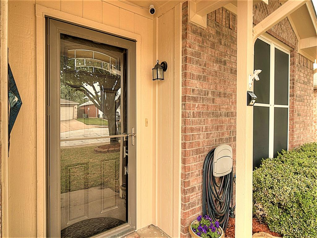 616 Creekview  Drive, Burleson, Texas 76028 - acquisto real estate best the colony realtor linda miller the bridges real estate