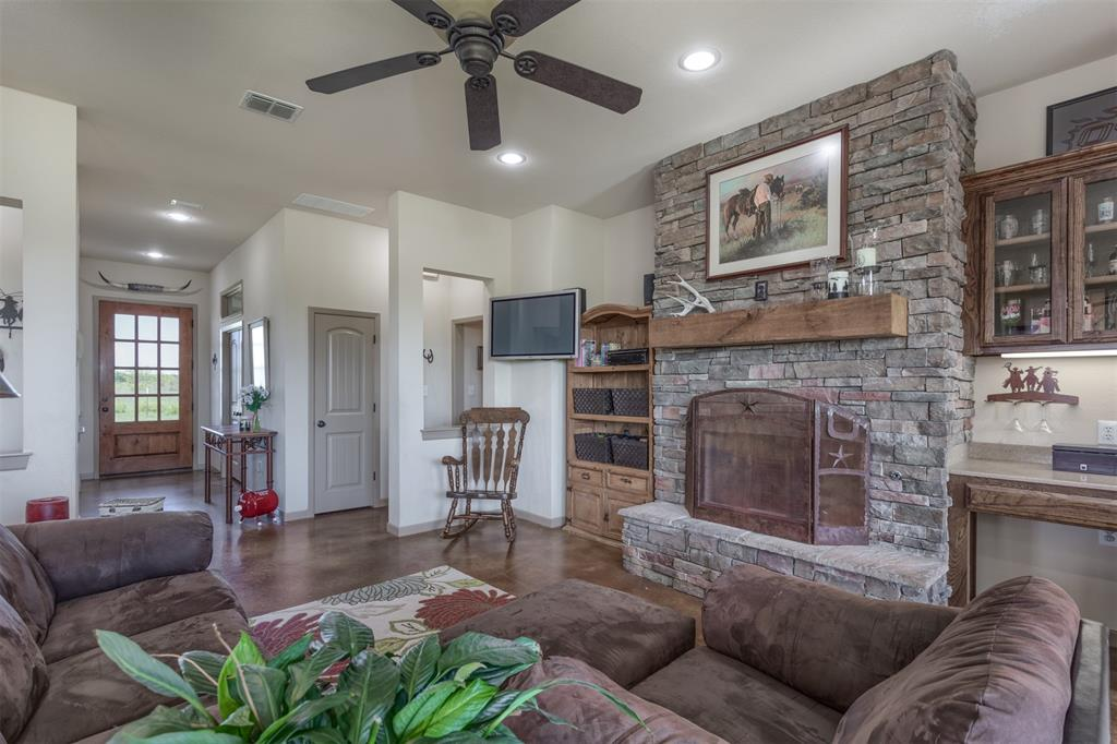 252 Emberson Ranch  Road, Pilot Point, Texas 76258 - acquisto real estate best real estate company to work for