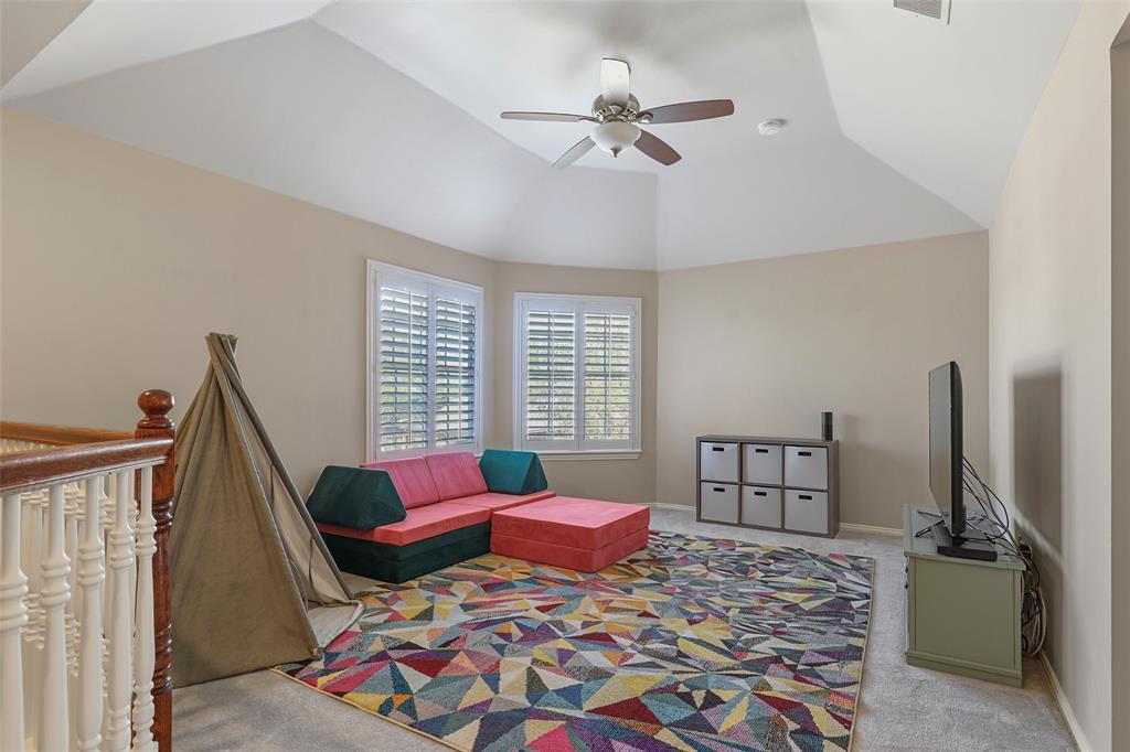 3828 Peppertree  Drive, Carrollton, Texas 75007 - acquisto real estate best realtor foreclosure real estate mike shepeherd walnut grove realtor