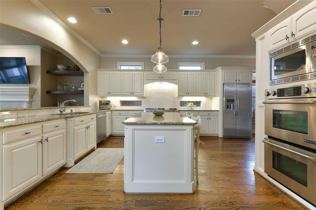 5226 Ridgedale  Avenue, Dallas, Texas 75206 - acquisto real estate best celina realtor logan lawrence best dressed realtor