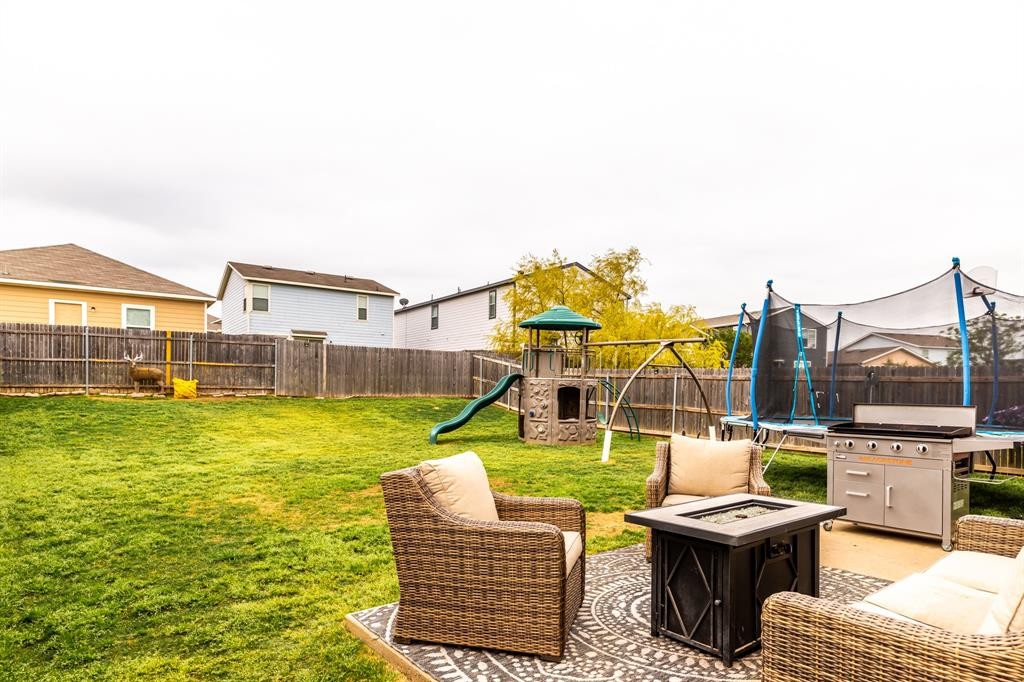 1824 Vineridge  Lane, Burleson, Texas 76028 - acquisto real estate best plano real estate agent mike shepherd
