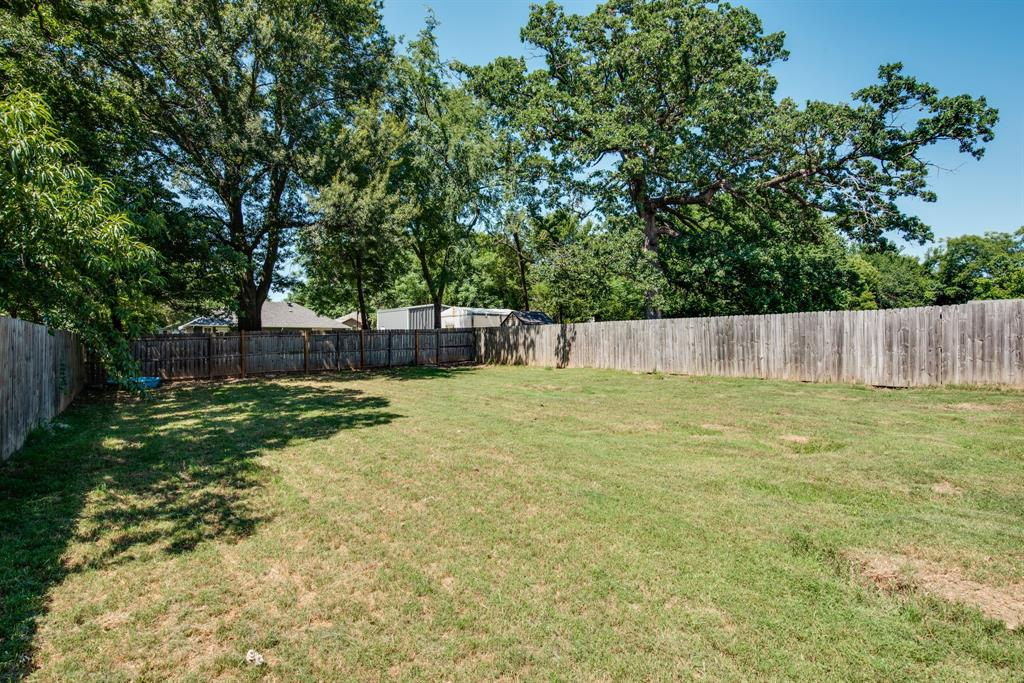 929 Ford  Street, Denison, Texas 75020 - acquisto real estate best investor home specialist mike shepherd relocation expert