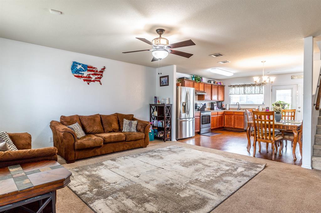 1824 Vineridge  Lane, Burleson, Texas 76028 - acquisto real estate best prosper realtor susan cancemi windfarms realtor