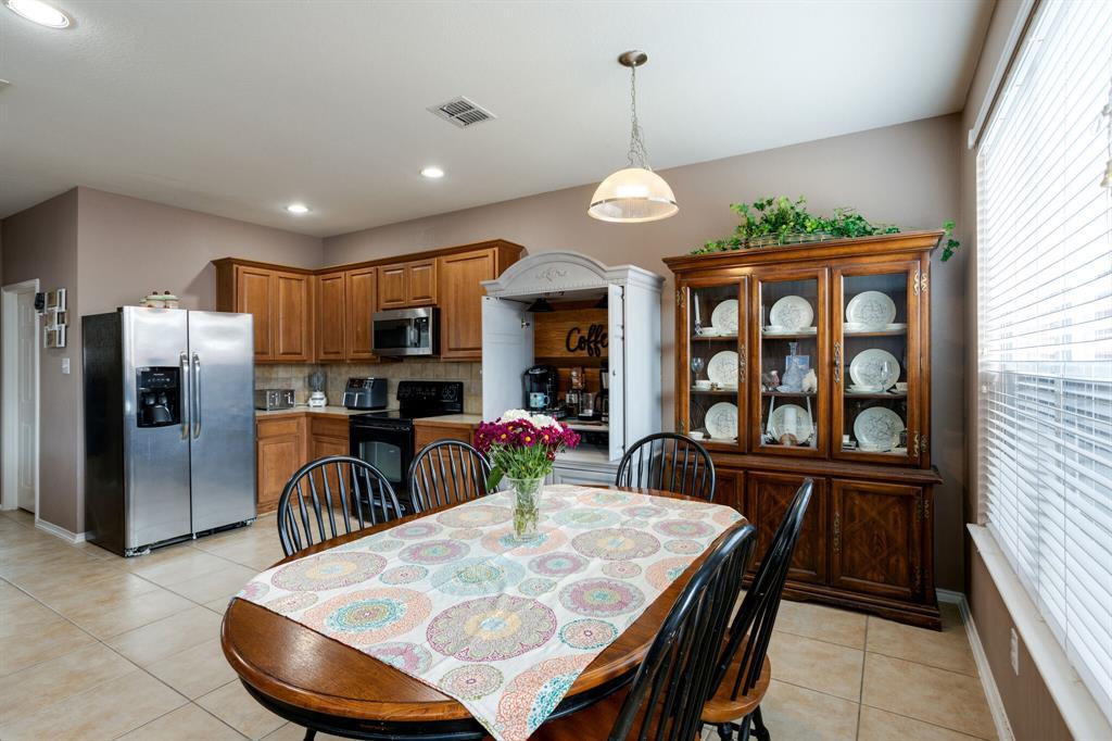 886 Bowie  Drive, Lavon, Texas 75166 - acquisto real estate best prosper realtor susan cancemi windfarms realtor
