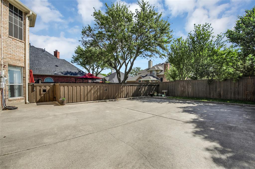 2404 Candlebrook  Drive, Flower Mound, Texas 75028 - acquisto real estate best real estate idx dilusso marketing mike acquisto