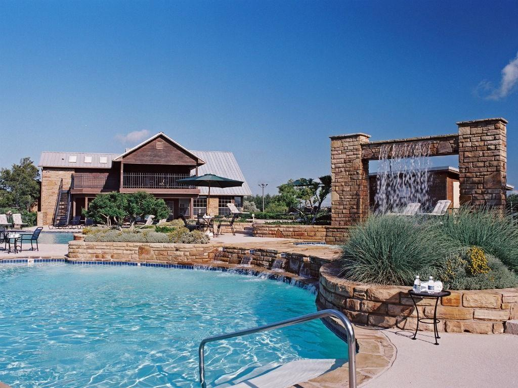 35 Bay Hill  Drive, Possum Kingdom Lake, Texas 76449 - acquisto real estate best style realtor kim miller best real estate reviews dfw