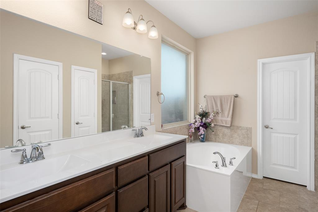 9145 Bronze Meadow  Drive, Fort Worth, Texas 76131 - acquisto real estate best designer and realtor hannah ewing kind realtor