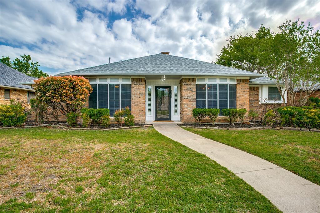 2314 Stone Glen  Lane, Carrollton, Texas 75007 - Acquisto Real Estate best plano realtor mike Shepherd home owners association expert