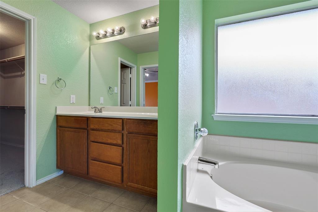 1805 Millbrook  Drive, Midlothian, Texas 76065 - acquisto real estate best realtor dfw jody daley liberty high school realtor