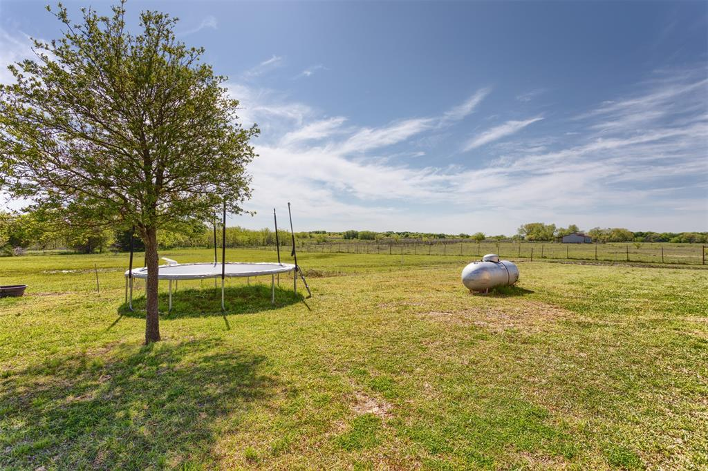 252 Emberson Ranch  Road, Pilot Point, Texas 76258 - acquisto real estate best listing photos hannah ewing mckinney real estate expert