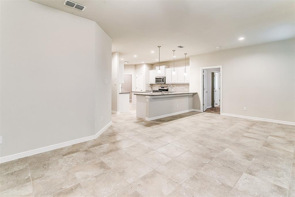 568 Pendennis  Drive, Saginaw, Texas 76131 - acquisto real estate best photos for luxury listings amy gasperini quick sale real estate