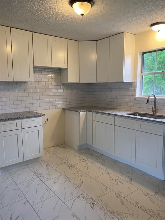 328 Suzanne  Terrace, Burleson, Texas 76028 - acquisto real estate best the colony realtor linda miller the bridges real estate
