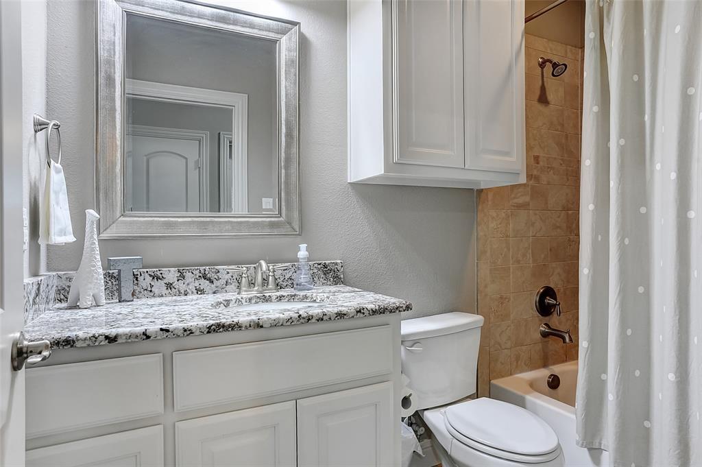 3401 Preston Club  Drive, Sherman, Texas 75092 - acquisto real estate best negotiating realtor linda miller declutter realtor