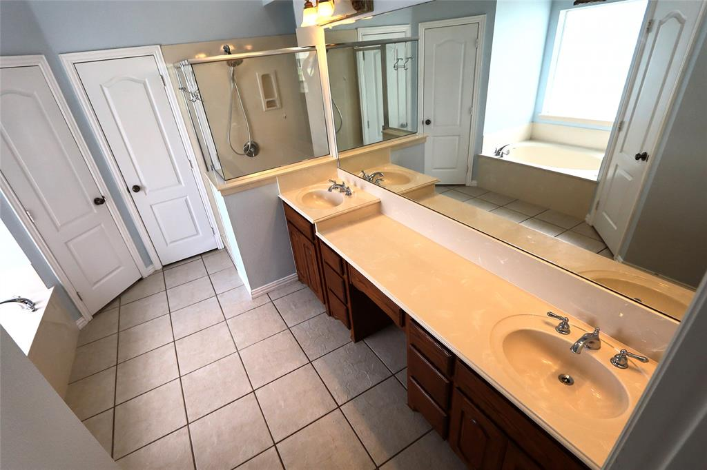 10188 Dennehy  Drive, Talty, Texas 75126 - acquisto real estate best photos for luxury listings amy gasperini quick sale real estate