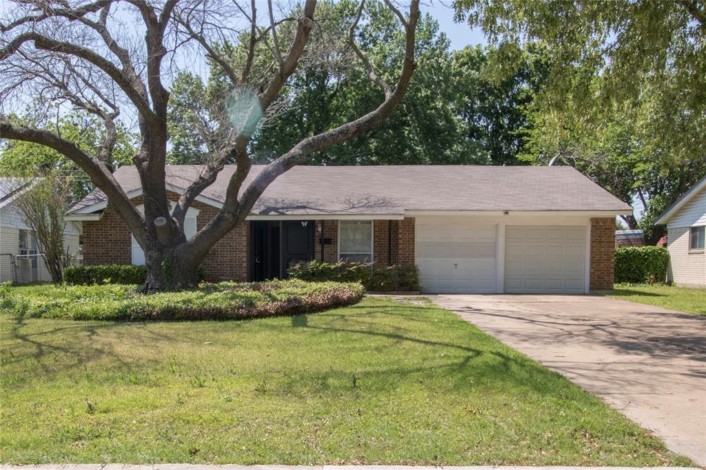 1814 Santa Cruz  Court, Grand Prairie, Texas 75051 - Acquisto Real Estate best plano realtor mike Shepherd home owners association expert
