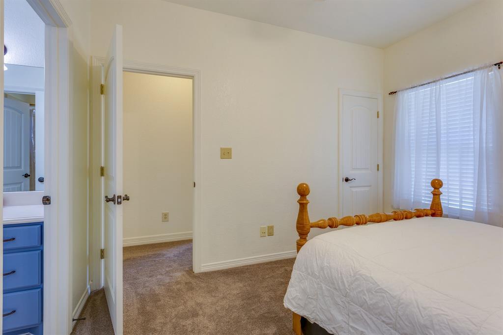 1809 Rockview  Drive, Granbury, Texas 76049 - acquisto real estate best photo company frisco 3d listings