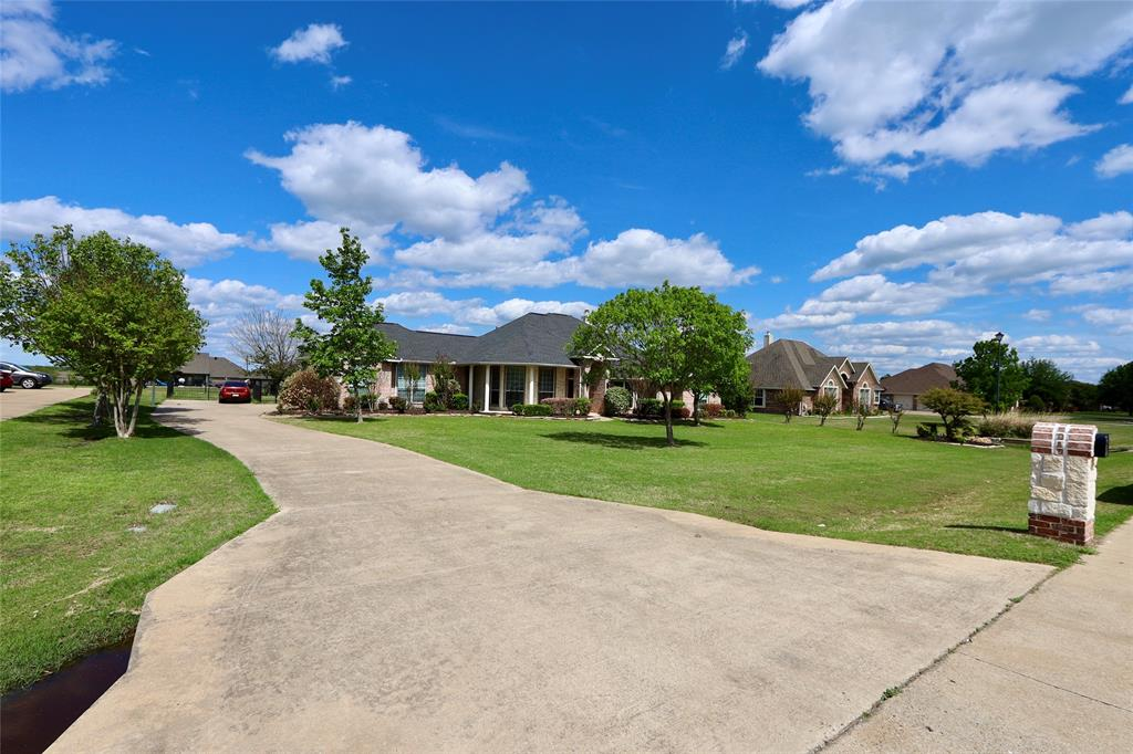 10188 Dennehy  Drive, Talty, Texas 75126 - acquisto real estate best realtor foreclosure real estate mike shepeherd walnut grove realtor