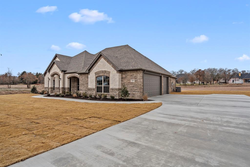1009 Alex  Drive, Springtown, Texas 76082 - Acquisto Real Estate best frisco realtor Amy Gasperini 1031 exchange expert
