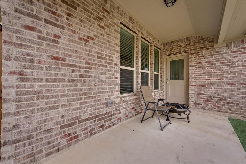 9244 Silver Dollar  Drive, Fort Worth, Texas 76131 - acquisto real estate best photos for luxury listings amy gasperini quick sale real estate