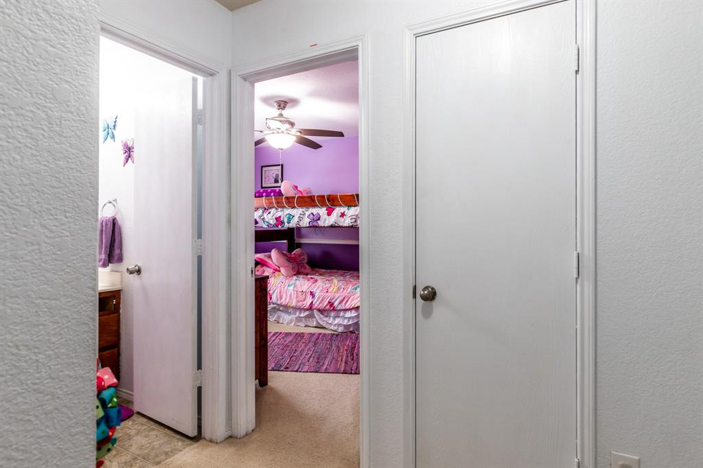 1824 Vineridge  Lane, Burleson, Texas 76028 - acquisto real estate best photo company frisco 3d listings