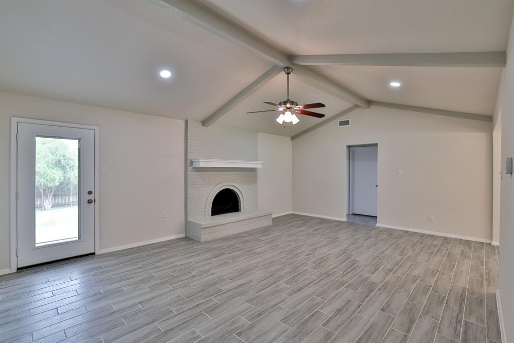 200 Lochness  Lane, Benbrook, Texas 76126 - acquisto real estate best prosper realtor susan cancemi windfarms realtor