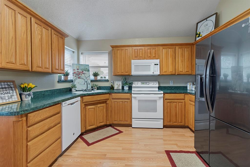 101 Saint James  Court, Rhome, Texas 76078 - acquisto real estate best highland park realtor amy gasperini fast real estate service