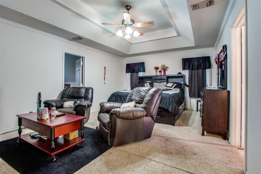 74 Meadow Hill  Lane, Sherman, Texas 75090 - acquisto real estate best realtor foreclosure real estate mike shepeherd walnut grove realtor