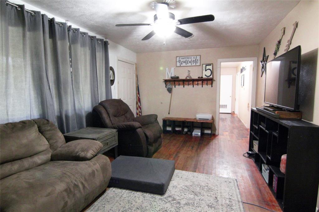 1013 Black  Street, Hurst, Texas 76053 - acquisto real estate best allen realtor kim miller hunters creek expert