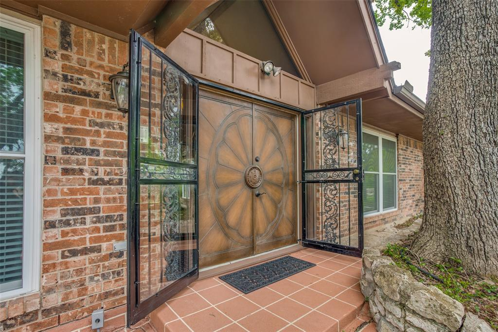 1003 Crowley  Road, Arlington, Texas 76012 - Acquisto Real Estate best frisco realtor Amy Gasperini 1031 exchange expert