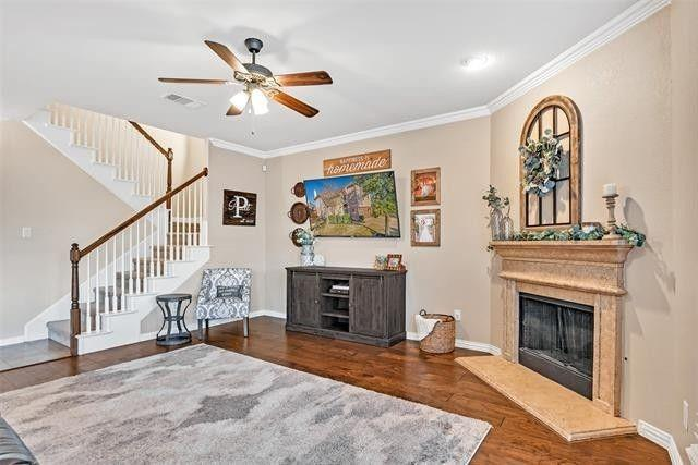 501 Eastland  Drive, Lewisville, Texas 75056 - acquisto real estate best realtor foreclosure real estate mike shepeherd walnut grove realtor