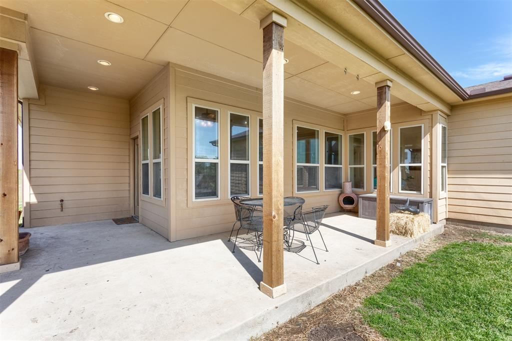 252 Emberson Ranch  Road, Pilot Point, Texas 76258 - acquisto real estate best plano real estate agent mike shepherd