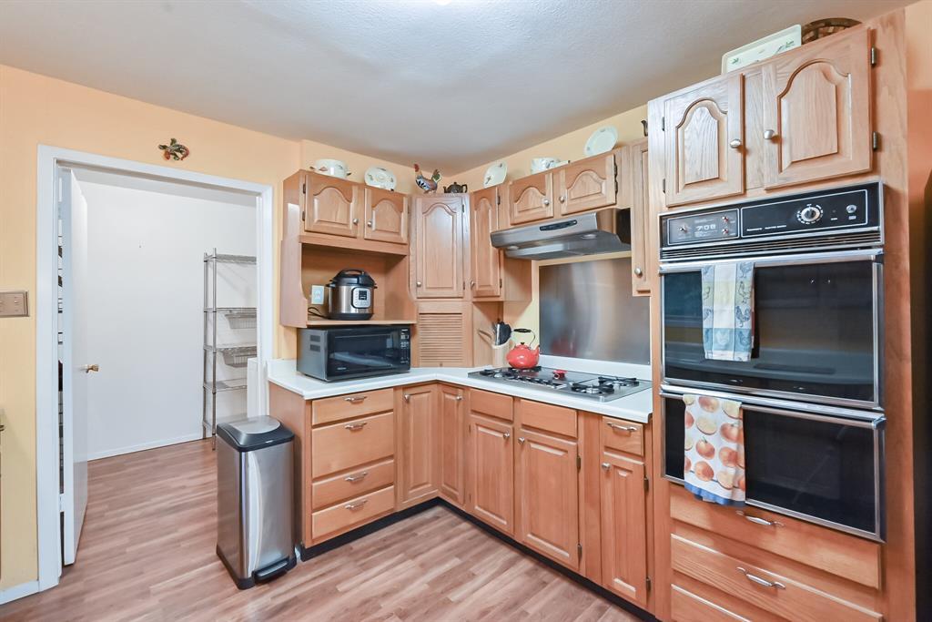 1206 Shelmar  Drive, Arlington, Texas 76014 - acquisto real estate best luxury buyers agent in texas shana acquisto inheritance realtor