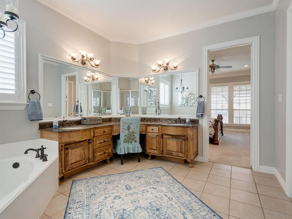 8309 Valley Oaks  Drive, North Richland Hills, Texas 76182 - acquisto real estate best photo company frisco 3d listings