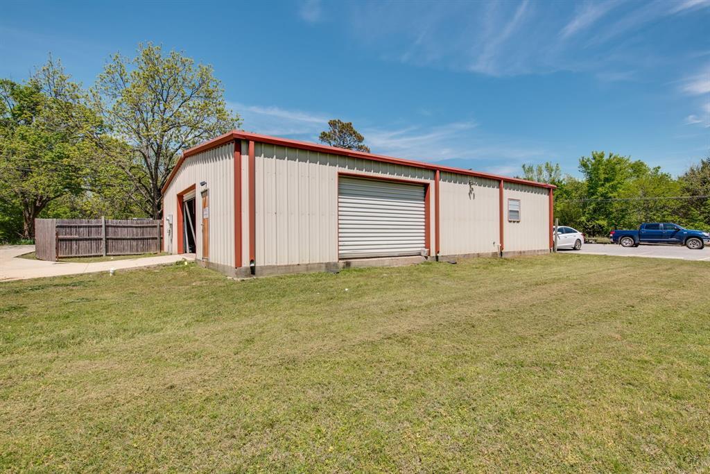 3011 Fannin  Avenue, Denison, Texas 75021 - acquisto real estate best investor home specialist mike shepherd relocation expert