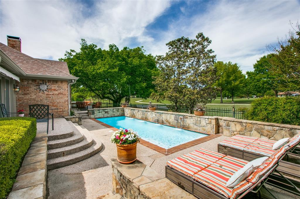 12 Riviera  Court, Trophy Club, Texas 76262 - Acquisto Real Estate best plano realtor mike Shepherd home owners association expert