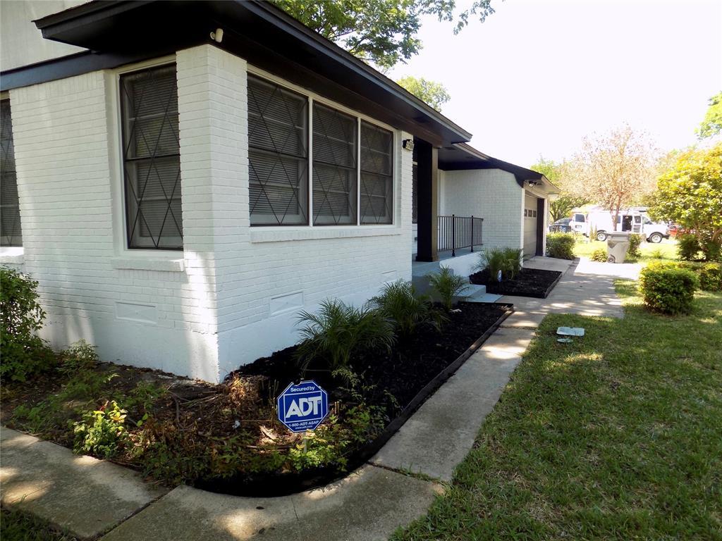 2730 Tisinger  Avenue, Dallas, Texas 75228 - acquisto real estate smartest realtor in america shana acquisto