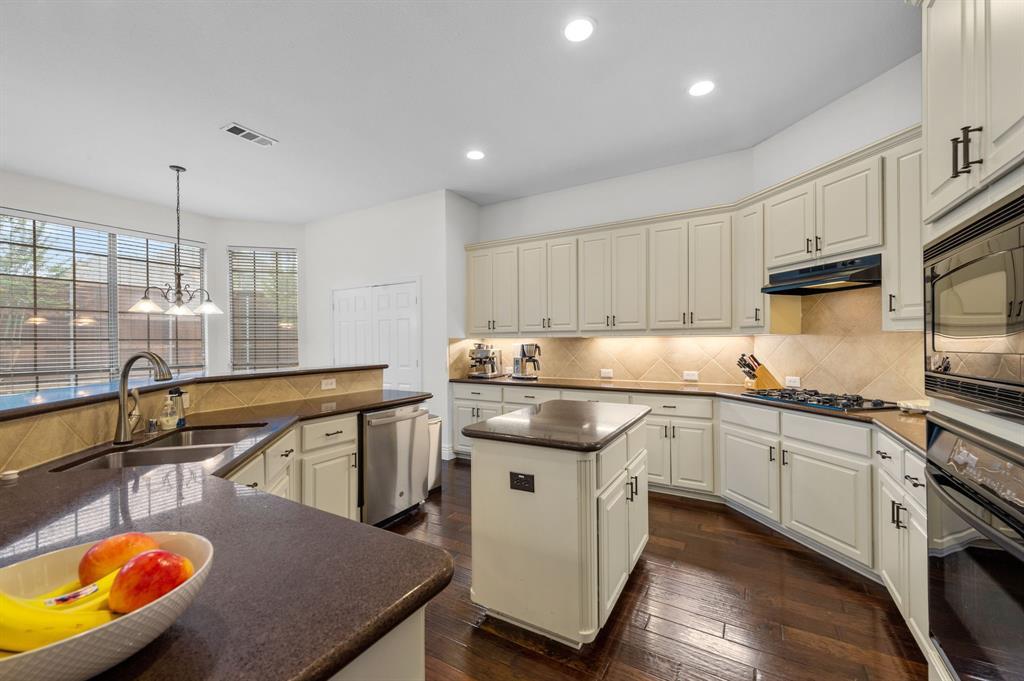 708 Hidden Woods  Drive, Keller, Texas 76248 - acquisto real estate best luxury buyers agent in texas shana acquisto inheritance realtor