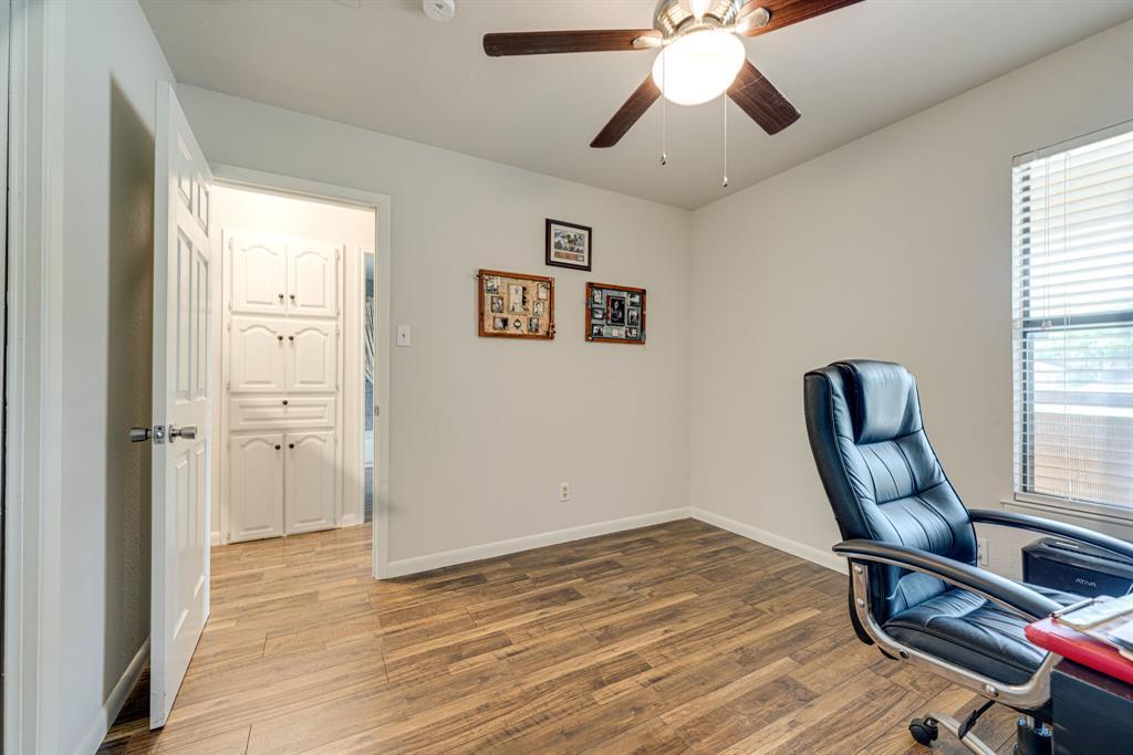 7800 Pebblebrook  Drive, Watauga, Texas 76148 - acquisto real estate best investor home specialist mike shepherd relocation expert
